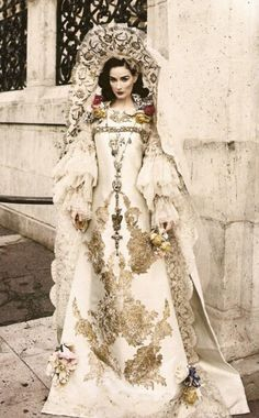 Antique gold Embellished lace queen ivory gown with lace puff sleeves 0 Haute Couture Dita Von Teese