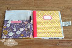 Tuto gratuit porte-carnet A5 - La Mercerie de L'Etoile de Coton Diy Handmade Toys, Sewing Hacks, Sewing Projects, Retro Fashion, Kids Fashion, Journal Organization, Mobile Art, Art Case, Practical Gifts