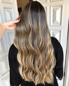 5 Hairstyles That Look Way Better on Dirty Hair - Convenile Ombre Hair, Balayage Hair, Wavy Hair, Dyed Hair, Girl Short Hair, Short Hair Cuts, Girls Short Haircuts, Brown Blonde Hair, Stylish Hair