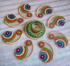 latest Simple Rangoli Designs Images Photos for Diwali 2018 ~ Happy Diwali Images Wishes 2018 Simple Rangoli Designs Images, Rangoli Designs Diwali, Rangoli Designs With Dots, Diwali Rangoli, Rangoli Ideas, Thali Decoration Ideas, Diwali Decorations, Decor Ideas, Rangoli Photos