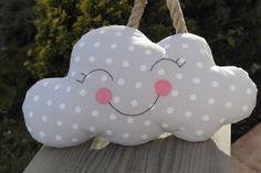 Almohada nube dormida. por Graymoonshop en Etsy, €18.00