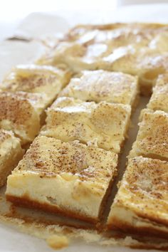 1 cup desiccated coconut 1 teaspoon vanilla extract 2 apples 1 egg 300ml sour cream Brownie Recipes, Cake Recipes, Dessert Recipes, Yummy Recipes, Apple Sour Cream Slice, Sour Cream Desserts, Yummy Treats, Yummy Food, Apple Bite