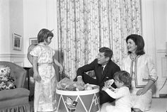 pictures of the kennedy family | President Kennedy relaxes with the First Family in the White House