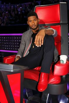 Usher needs to be put back on the Voice to replace Celo, then, what a great show it will be!!!!