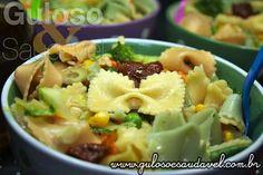 Tem problemas em casa com as verduras? Prepare a Salada de Legumes com Farfalle, é colorida, cheia de legumes e com aquele macarrão que nenhuma criança rejeita!!  #Receita aqui: http://www.gulosoesaudavel.com.br/2012/10/08/salada-legumes-farfalle/