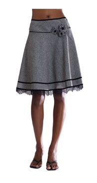 hermosa falda,hace buen contraste .