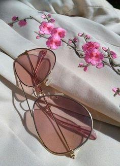 Kupuj mé předměty na #vinted http://www.vinted.cz/doplnky/slunecni-bryle/16378427-pink-bryle-hit-leta