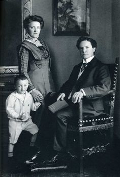 family portrait by August Sander