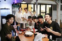 Namjoon, Taehyung, Foto Bts, Bts Bangtan Boy, Bts Boys, Jimin Jungkook, K Pop, Jikook, V Bts Cute