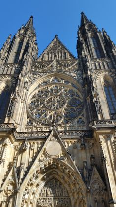Recently, I decided to take my girls on a day trip to Prague. I already went with my tiny expats on a two day trip to a… Prague Travel, Czech Republic, Day Trip, Great Places, Barcelona Cathedral, Places To Visit, Building, Awesome, Travelling