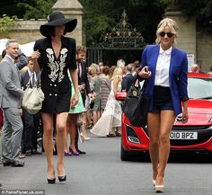 TV presenters Caroline Flack and Dawn Porter (left) - Dawn is wearing a Lovely's Vintage Emporium Black & White Designer dress to Dermot O'Leary's wedding. Caroline Flack is flawless Dawn Porter, Caroline Flack, Tv Presenters, Designer Dresses, Celebrity Style, Cool Outfits, Autumn Fashion, Vintage Fashion, Celebs