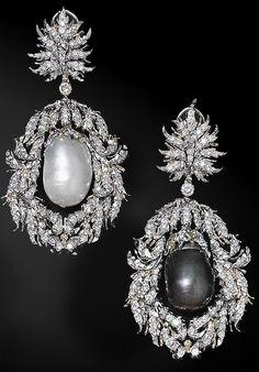 ღ⭐️PeArLS⭐️ღ Buccellati earrings High Jewelry, Bling Jewelry, Pearl Jewelry, Jewelry Box, Vintage Jewelry, Jewellery, Bracelet Chanel, Pearl And Diamond Earrings, Emerald Earrings