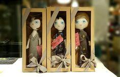 Laloushki w ubraniach zaprojektowanych przez polskich projektantów: est by eS., Kaaskas i Pola&Frank #laloushka Wine Rack, Dolls, How To Make, Handmade, Home Decor, Baby Dolls, Bottle Rack, Puppet, Craft