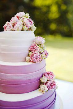 hochzeitstorte rosa lila weiß die tortenmacher - true love Hochzeiten