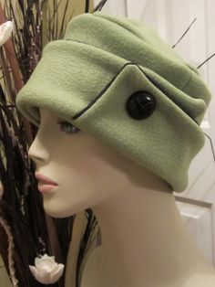 c4d9c1e2ec9 Spinich and Black Womens Winter Hat by ChicReflections on Etsy