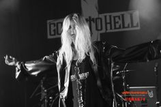 ☠️ Taylor Momson, Leo Star, Pretty Reckless, Taylors, Singer, Actresses, Fashion, Female Actresses, Moda