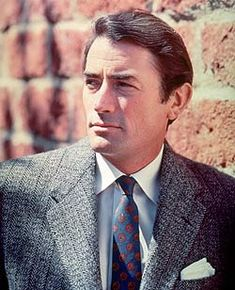 Gregory Peck, an AMAZING actor. In my opinion they just about don't make them better looking then young Gregory Peck - Robin Hollywood Icons, Hollywood Actor, Golden Age Of Hollywood, Vintage Hollywood, Hollywood Stars, Classic Hollywood, Gregory Peck, Old Movie Stars, Classic Movie Stars