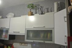 Cданные дома / 2-комн., Краснодар, Московская ул, 2 800 000 http://krasnodar-invest.ru/vtorichka/2-komn/realty245689.html  Продаю 2кв. 54\29\8, 1\5.м-к. Московская.  Квартира с современной планировкой, за счет высоких потолков ощущение простора еще больше. Сделан качественный ремонт, хорошая встроенная кухня с техникой, с\у - кафель, застекленный балкон. Высокий первый этаж, за счет цокольных помещений в доме. Двор с благоустроенной закрытой территорией, рядом остановка транспорта, магазины…