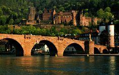 Heidelberg- Der Dichter hat sein Herz in Heidelberg verloren und mein Regenschirm auch.!!!