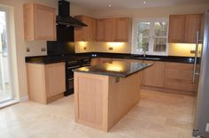 Solid Oak Shaker Kitchen