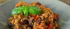 Een heerlijke chili quinoa. Je kunt het ook vegetarisch maken door het gehakt weg te laten. Quinoa geeft deze chili een unieke textuur en zoet-hartige smaak