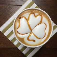Three leaf clover latte art Three Leaf Clover, Coffee Pictures, Latte Art, Coffee Art, Irish, Sugar, Cookies, Tableware, Desserts