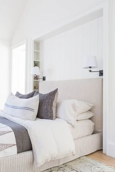 Stupendous Diy Ideas: Minimalist Bedroom Dark Black White minimalist home closet posts.Minimalist Bedroom Neutral Shades minimalist home exterior life.Minimalist Home Decorating Blue. Farmhouse Interior, Home Interior, Interior Design, Modern Farmhouse, Farmhouse Style, Modern Interior, Scandinavian Interior, Scandinavian Style, Modern Rustic