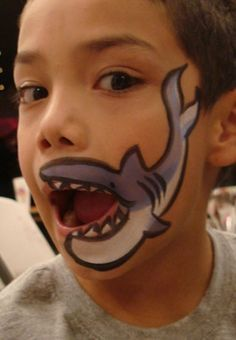 Some easy face painting ideas for the Hometown Festival this weekend at Bass Pro. - Some easy face painting ideas for the Hometown Festival this weekend at Bass Pro Shops Calgary! Shark Face Painting, Face Painting For Boys, Simple Face Painting, Simple Halloween Face Painting, Easy Face Painting Designs, Mouth Painting, Belly Painting, Painting Tutorials, Rock Painting