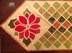aberdaisy: Poinsettia Table Runner