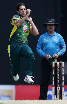 Mitchell Johnson is Australia's premier fast bowler. Mitchell Johnson is at in the list of World's fastest bowlers. He bowled a delivery at the speed of kmph, in the Ashes Test, Day 3 against England December 2013 at MCG. Cricket Time, World Cricket, Test Cricket, Live Cricket, Shaun Tait, Cricket Wicket, Brett Lee, Mitchell Johnson, Fast Bowling