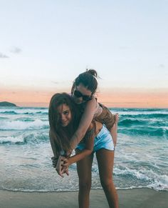 pinterest-@juliaahn_ Bestest Friend, Best Friend Goals, Best Friends, Cute Beach Pictures, Beach Photos, Best Friend Pictures, Bff Pictures, Tumblr Bff, Summer Pictures