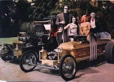 MUNSTER GARAGE: A Look at the Hellraisin' Hotrods of 'The Munsters ...