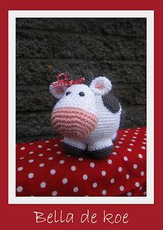 Biene Bien: Bella. Giraf turned into a cow, great idea!