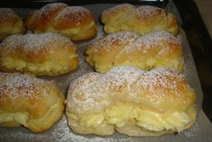 Die besten Milchbrötchen mit Vanillecreme Time and again I read how delicious they are. Small Batch Waffle Recipe, Best Pancake Recipe, Waffle Recipes, Baking Recipes, Cake Recipes, Dessert Recipes, Mini Desserts, German Baking, Czech Recipes