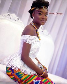 "3,056 Likes, 13 Comments - I do Ghana (@idoghana) on Instagram: ""Nana queening on her day  planner @mspepran   decor @heleneopm   photo @maxwelljennings #idoghana"" African Traditional Wedding, Traditional Wedding Dresses, Kente Dress, African Wedding Dress, Kente Styles, African Dresses For Women, African Fashion Dresses, African Wear, African Women"