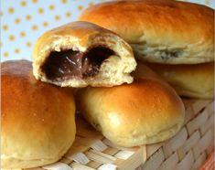 Pão de Leite Recheado com Chocolate - https://www.receitassimples.pt/pao-de-leite-recheado-com-chocolate/