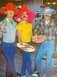 Freddie Mercury Tattoo, Queen Freddie Mercury, Queen Photos, Queen Pictures, Reaction Pictures, Funny Pictures, Random Pictures, Queen Band, Killer Queen