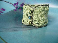 Stoffarmbänder - ○○○ Armband lindgrün ○○○  - ein Designerstück von crochet bei DaWanda