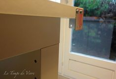 Aménager son atelier (1) : la table de découpe [Tuto inside] - Le Temps de Vivre... Coin Couture, Sewing, Room, Cutting Tables, Sewing Spaces, Alteration Shop, Tray, Furniture, Table