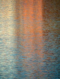 Monet like color reflections in water. Water Patterns, Water Art, Water Reflections, Water Waves, New Energy, Claude Monet, Art Plastique, Color Inspiration, Art Photography