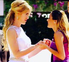 Angie y Violetta Clara y Tini Clara Alonso, Best Series, Disney Channel, Movie Tv, Fashion Inspiration, Weddings, Books, Movies, Celebs