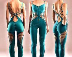 Catsuit, Diy Fashion, Ideias Fashion, Umgestaltete Shirts, Ripped Shirts, Natural Curves, Cotton Leggings, Diy Clothing, Festival Wear