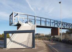 West 8 Urban Design & Landscape Architecture, Passerelle Station Roosendaal