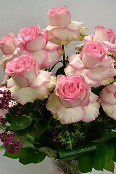 Fabulous arrangement of roses.