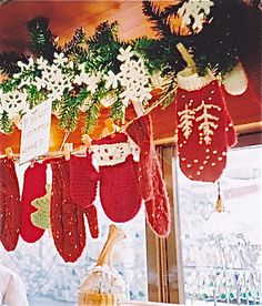 Mittens hung with greenery & snowflakes - good idea for all those inexpensive mittens that go on sale after Christmas. Noel Christmas, Merry Little Christmas, Country Christmas, Winter Christmas, All Things Christmas, Vintage Christmas, Christmas Crafts, Christmas Decorations, Christmas Ornaments