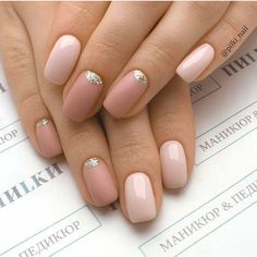 Fall is the magical season, unlike spring and summer. Here we collect the 30 most gorgeous nails with light nail color for this fall. Dark clothing with light nails will better set off your personality. Light Colored Nails, Light Nails, Dark Nails, Nailed It, Pink Nail Art, Super Nails, Nagel Gel, Acrylic Nail Designs, Acrylic Nails