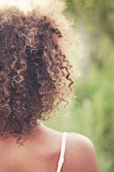 Learn The Secrets Of Perfect Hair With These Simple Tips - Useful Hair Care Tips Dry Curly Hair, Coily Hair, Curly Hair Styles, Natural Hair Styles, Curly Girl, Hair Products Online, Hair Online, Curly Hair Problems, Long Natural Hair