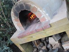 Dear goodness in heaven. How to make a pizza oven. Every Italian country home has one of these, and of course it's my dream, too.