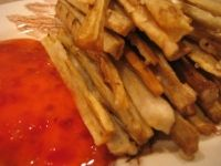 Fries and sweet chili sauce