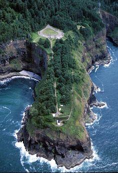 Cape Meares Lighthouse, Oregon at Lighthousefriends.com